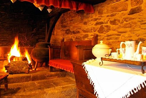 Alquiler de casa rural en arzua casa brandariz for Casa rural con chimenea asturias